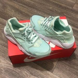 Teal Nike huaraches